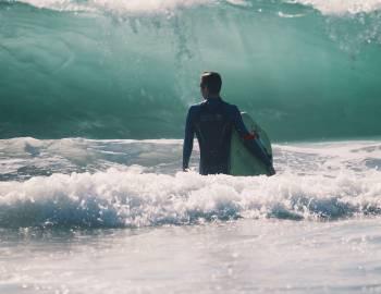 surfer in hawaii teaser